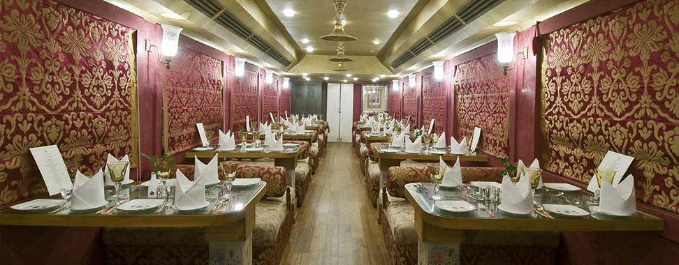 royal-rajasthan-on-wheels-Restro-Lounge-Swarn-Mahal.jpg